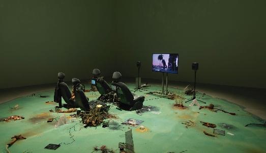 Biennale/ L'Approfondimento