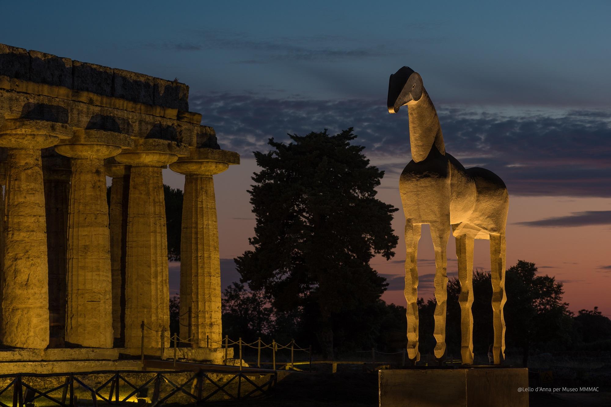 Il Cavallo di Mimmo Paladino a Paestum