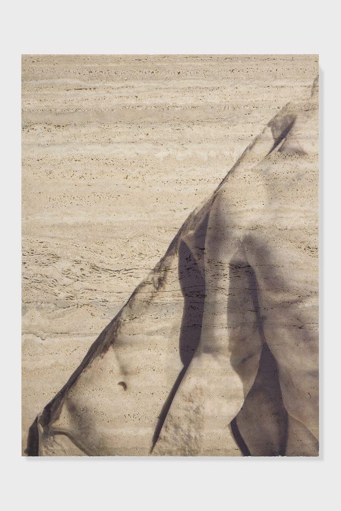Un'opera di Elisa Sighicelli in mostra a Napoli