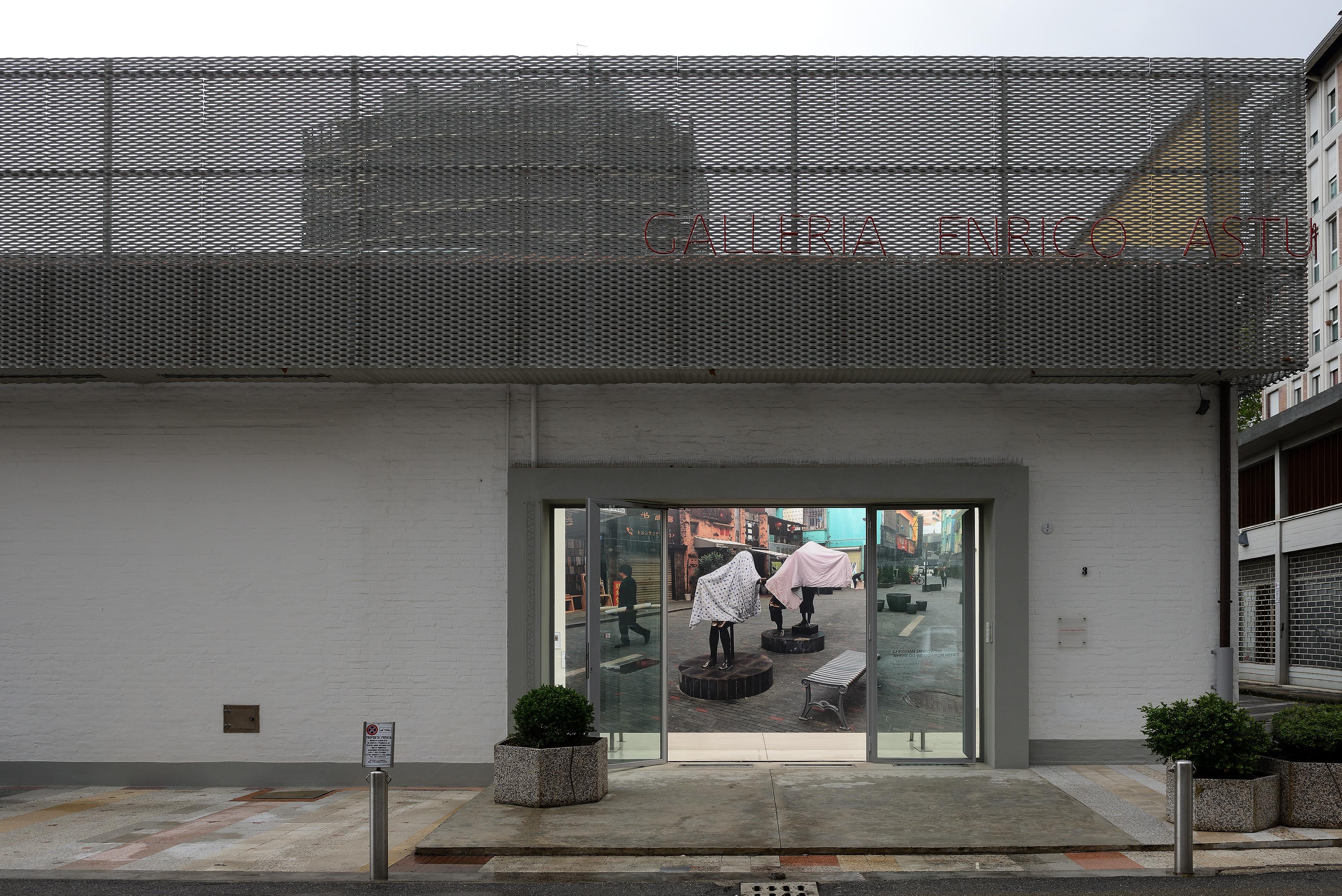 Christian-Jankowski-Galleria-Enrico-Astuni