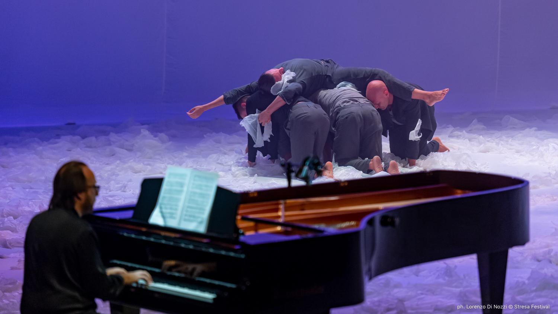 preludi-di-sostakovic-nella-coreografia-di-simona-bucci