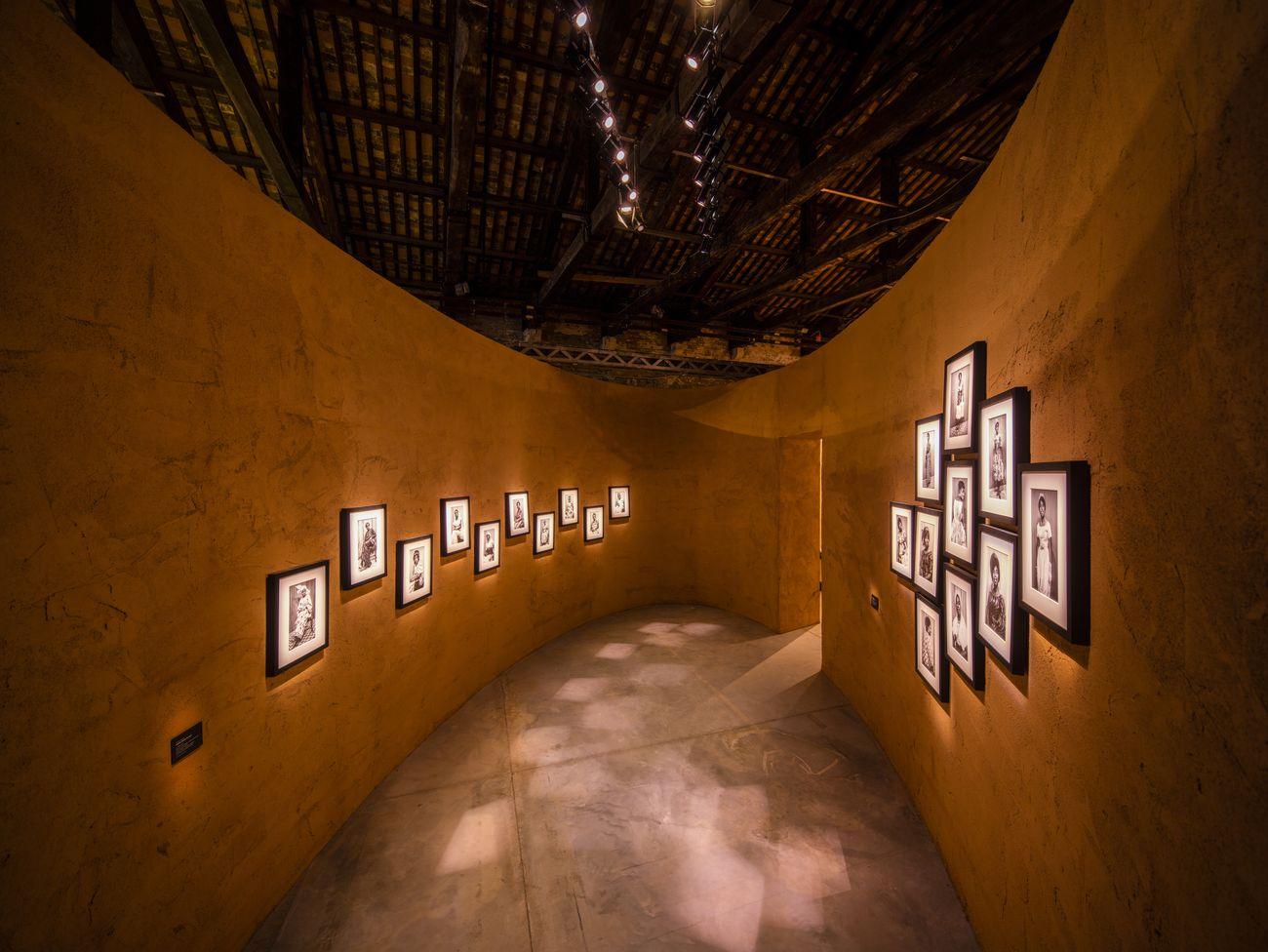 58-Biennale-di-Venezia-Padiglione-Ghana.-Felicia-Abban-Untitled-Portraits-and-Self-Portraits-anni-60-70-ca.-Courtesy-the-artist.-Photo-David-Levene