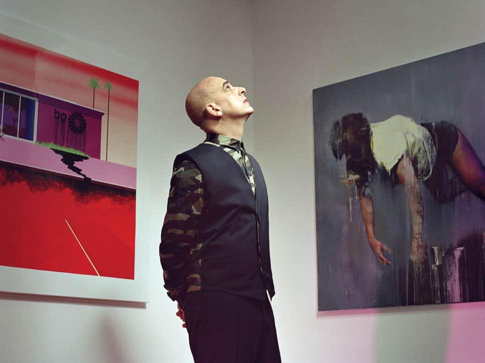 Steve Lazarides nella sua galleria (courtesy of Matthew Stylianou)