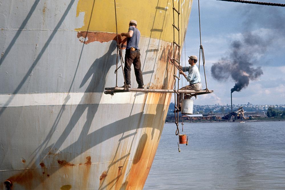 Boat scrapers 1, 1964. (Fred Herzog, Equinox gallery)