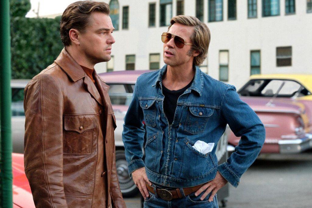 Di Caprio e Pitt in una scena di C'era una volta... a Hollywood, di Quentin Tarantino