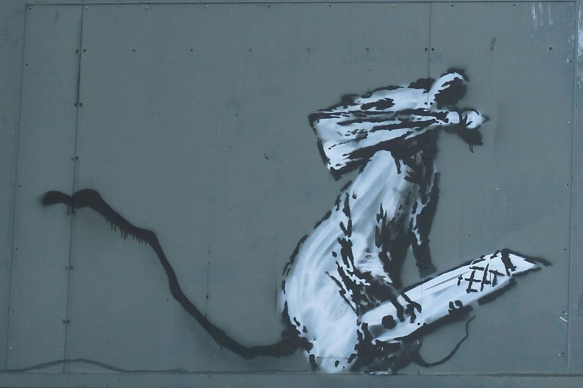 L'opera di Banksy rubata a Parigi