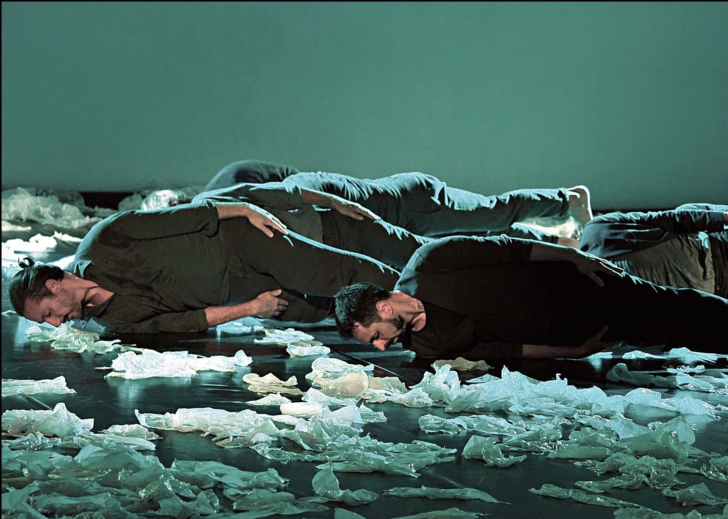 preludi-di-sostakovic-nella-coreografia-di-simona-bucci-foto-GiampaoloBecherini