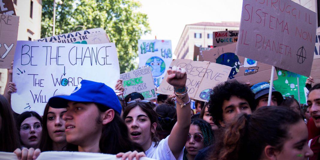 La protesta degli ambientalisti a Venezia