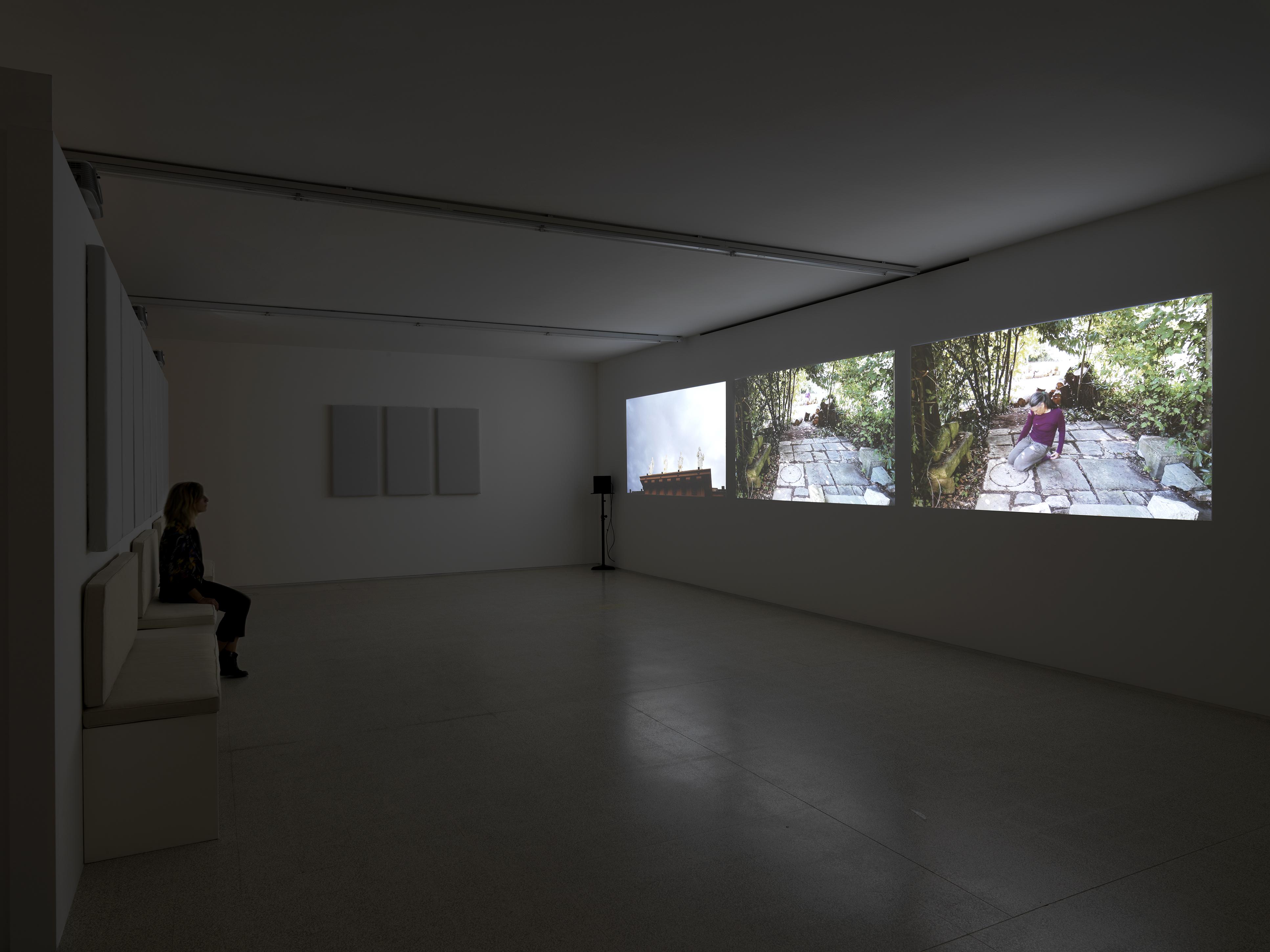 Helen Cammock Che si può fare Veduta di mostra / Exhibition view  Collezione Maramotti, 2019 Ph. Dario Lasagni