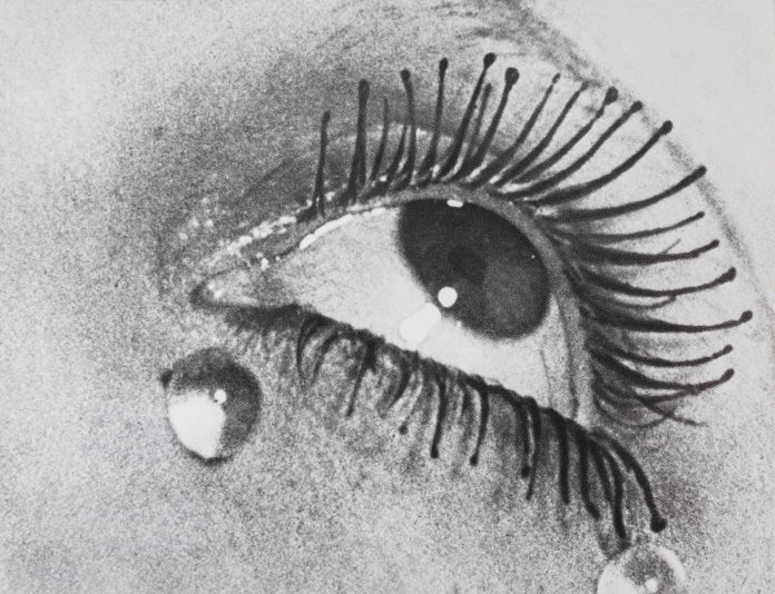 Man Ray. Les larmes/Le lacrime, 1930-1932 (1976) cm 17.5 x 23 Collezione privata, Torino © Man Ray Trust by SIAE 2019 Photo by Renato Ghiazza.