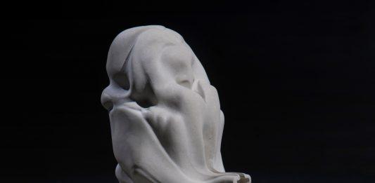 Marguerite Humeau – Oscillations