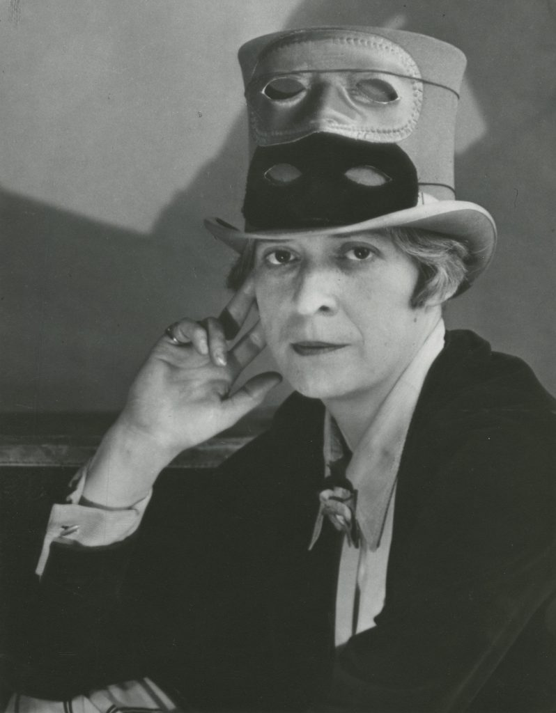 Berenice Abbott. Janet Flanner, 1927 Stampa vintage ai sali d'argento Cm 46 x 37.5 x 3 Courtesy of Howard Greenberg Gallery, New York © Berenice Abbott/Getty Images