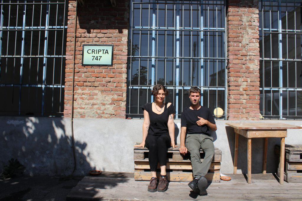 Hilary Galbreaith e Lee Fraser durante la residenza a Cripta747