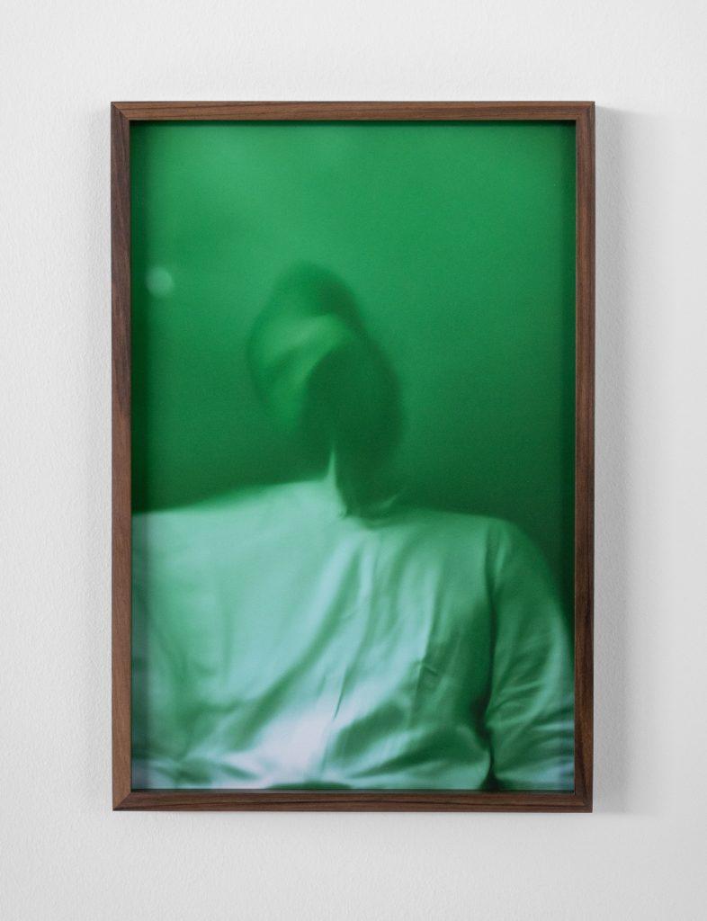"Francesco Gennari, ""Autoritratto su menta (con camicia bianca)"", 2019_b"