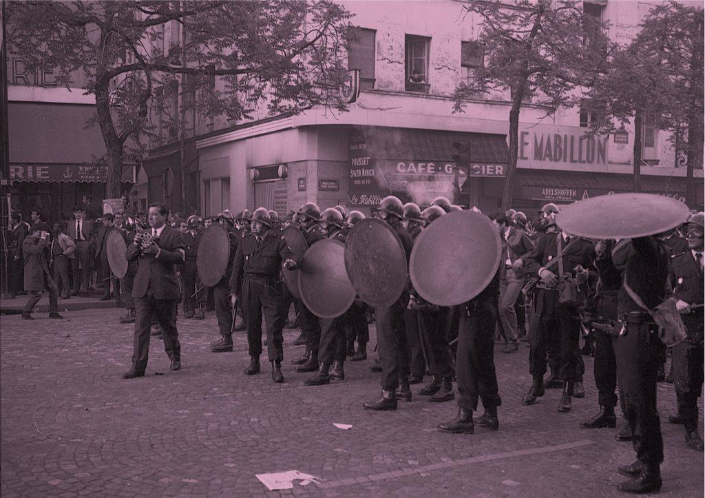 Premio FLAT- Fondazione Arte CRT. Taxonomy of The Barricade. Image Acts of Political Authority in May 1968 di Wolfgang Scheppe, proposto da Nero Editions