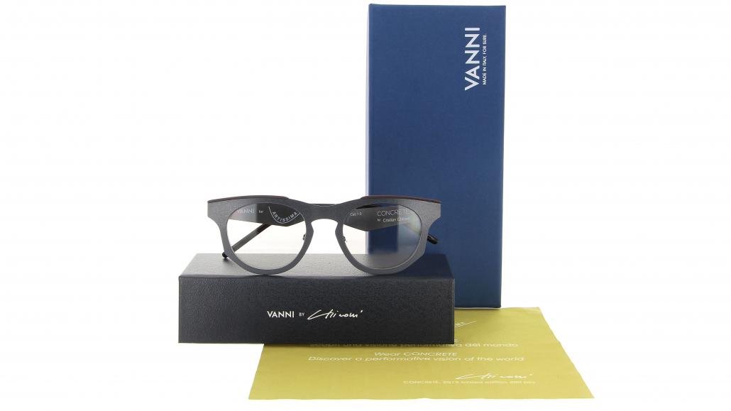 Uno degli occhiali in edizione limitata creati in occasione di Artissima da VANNI Occhiali, in collaborazione con l'artista Cristian Chironi (Courtesy: VANNI Occhiali)