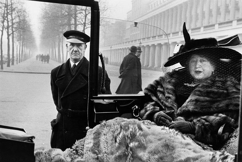 London. Publisher Eveleigh NASH at Buckingham Palace Mall. 1953.