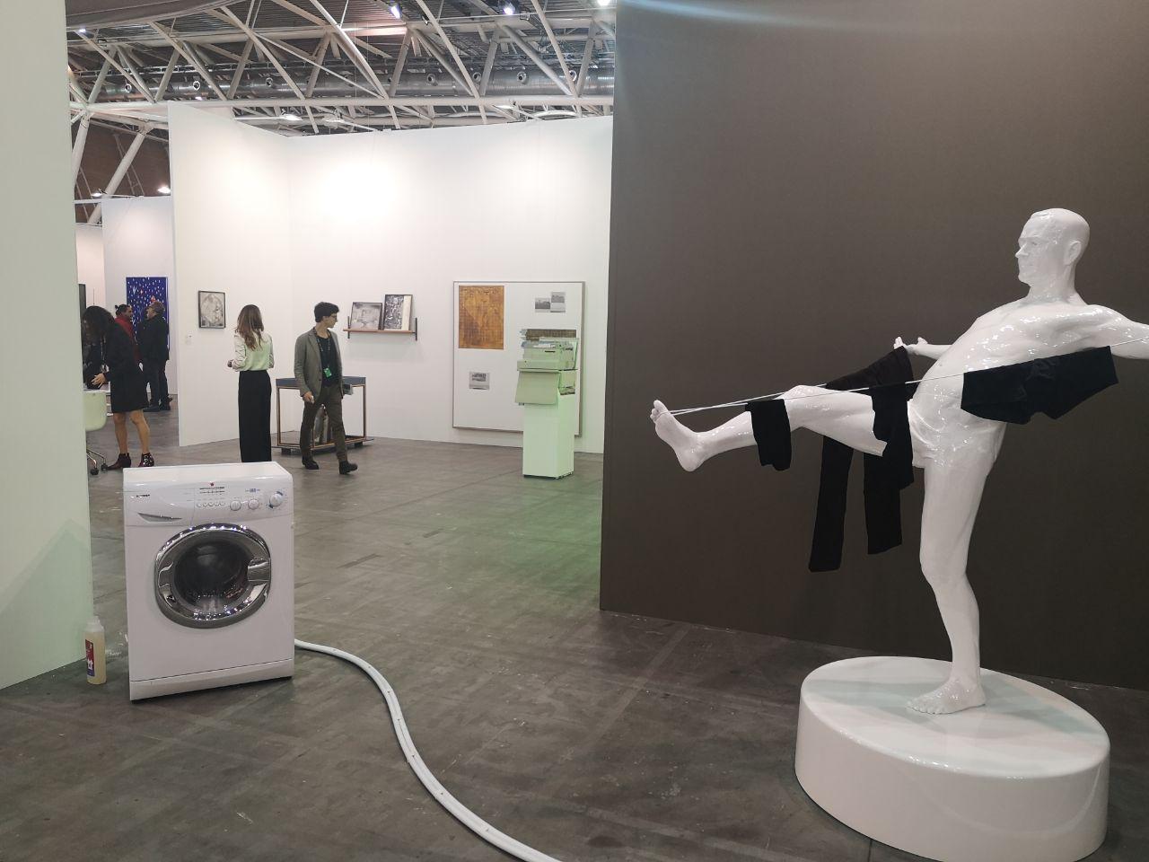L'opera di Christian Jankowsky nello stand della Galleria Astuni
