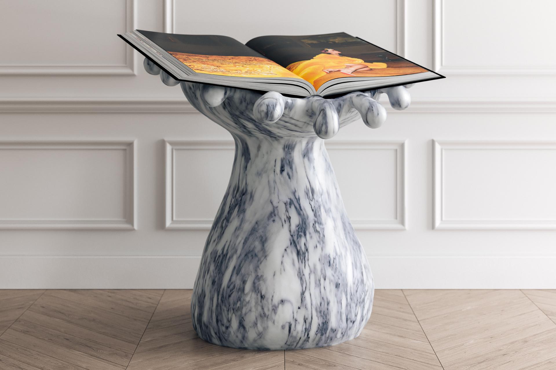 Stoner, l'edizione di lusso dell'autobiografia di Rihanna per Phaidon, che include un piedistallo di marmo realizzato scolpito a mano, progettato dal duo artistico The Haas Brothers