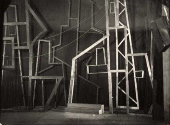 """Anton Giulio Bragaglia, """"Teatro Sperimentale degli Indipendenti, scena di Carnevale 1929"""". Lotto n. 320. Asta Il Ponte"""