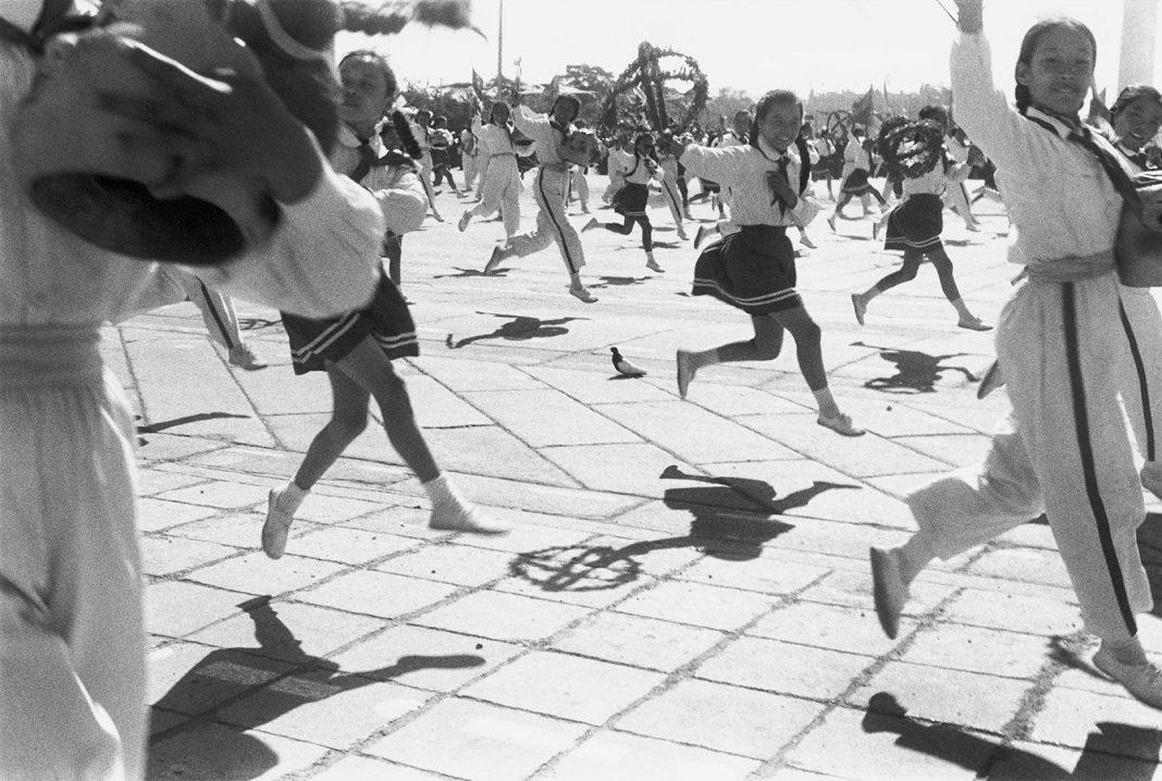 Célébrations du 9ème anniversaire de la République populaire, Pékin, 1er octobre 1958. © Fondation Henri Cartier-Bresson / Magnum Photos