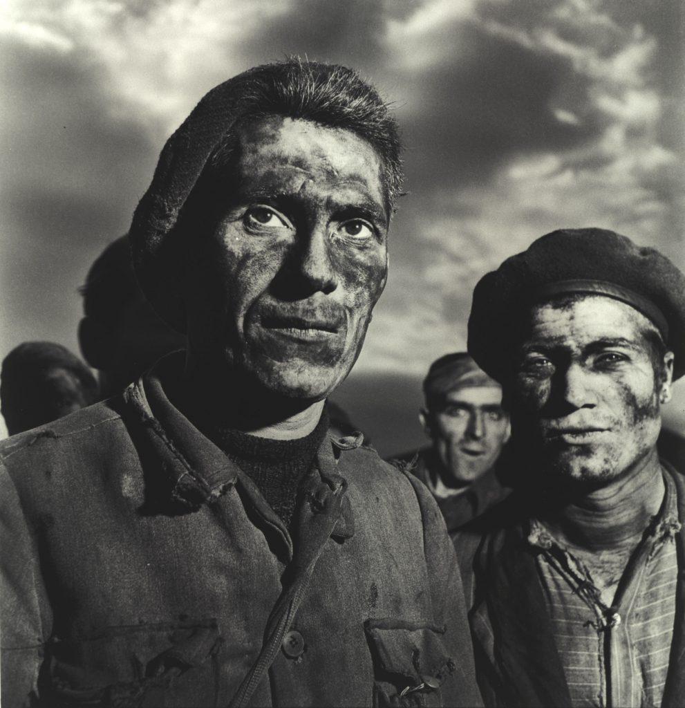 Federico Patellani, Carbonia, 1950. Minatori © eredi Federico Patellani Courtesy Museo di Fotografia Contemporanea di Cinisello Balsamo