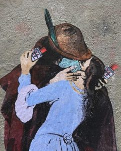Il bacio di TVBOY sui muri di Milano