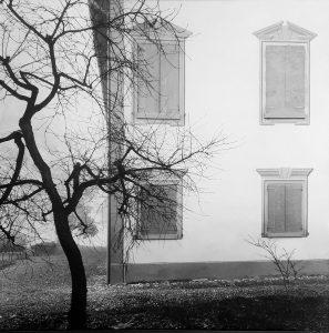Mimmo Jodice, Villa Emilia, 1984, per Art to stop Covid, Blindarte