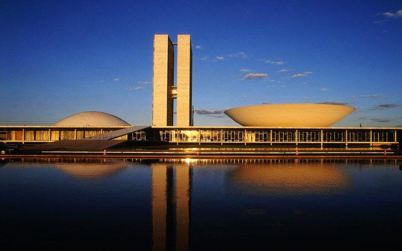 Oscar Niemeyer – Brasilia National Congress