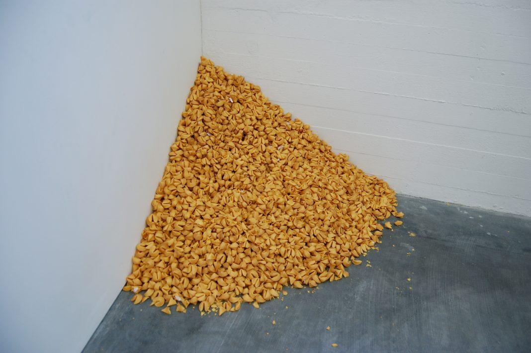 Felix Gonzalez-Torres, Untitled (Fortune Cookie Corner), 1990 (Foto: Andrew Russeth)