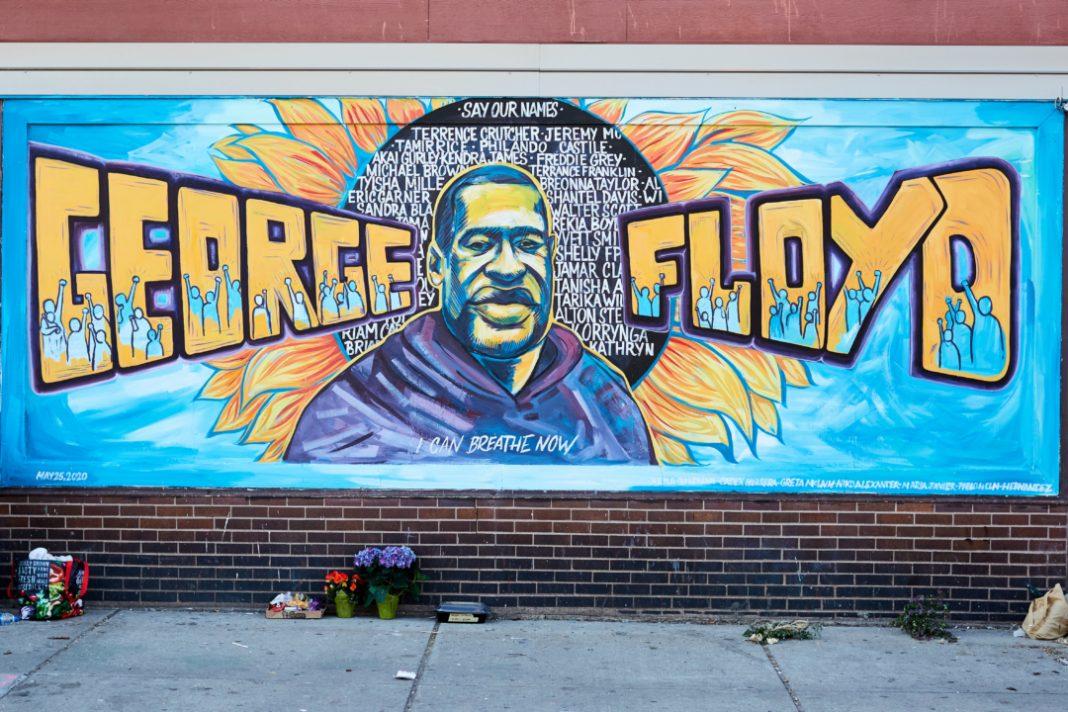 Tra le notizie del mondo dell'arte di questa settimana, il murales realizzato in onore di George Floyd (Foto: Artyom Tonoyan)