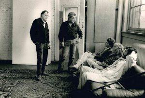 The Knot Arte Povera, NY Ps1 1985. Germano Celant con Luciano Fabro e Paolo De Grandis. Foto di Maria Mulas