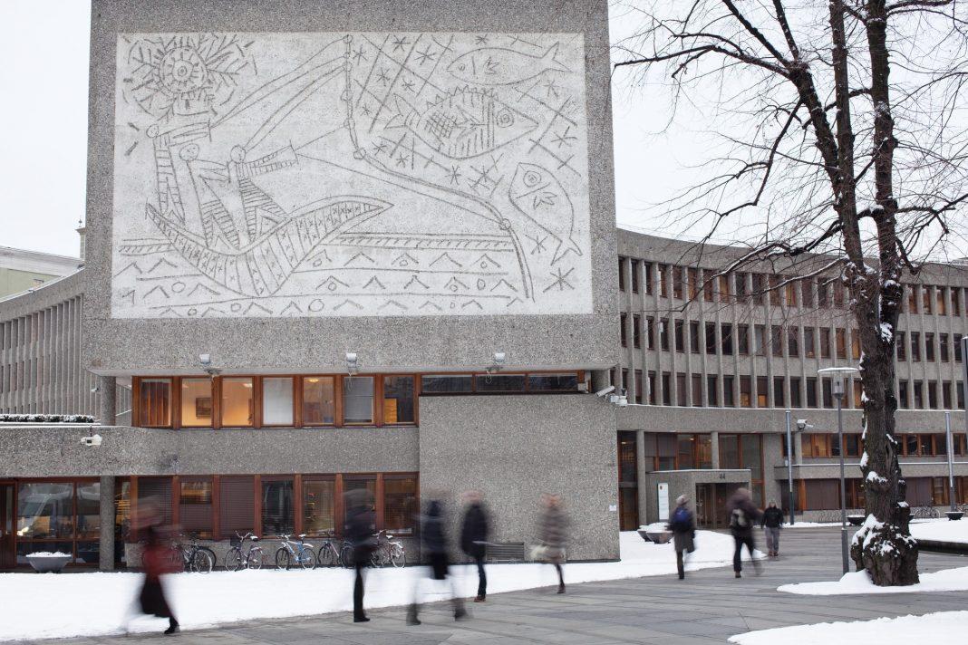 Il murales di Picasso, sull'Y-Block di Oslo
