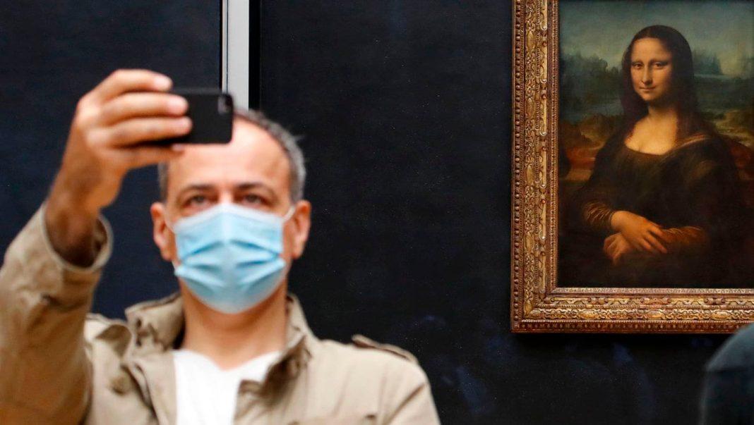 Questa settimana ha riaperto il Louvre. Non potevano mancare tra le notizie del mondo dell'arte le regole per visitare la Gioconda di Leonardo e gli altri capolavori (fot. Washington Post).
