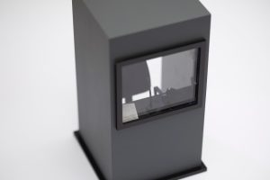 Translation Booth Plexiglas, filamento di plastica SUNLU PLA plus in stampa 3D, balza, tessuto 11x11x20 cm Edizione di tre 2020