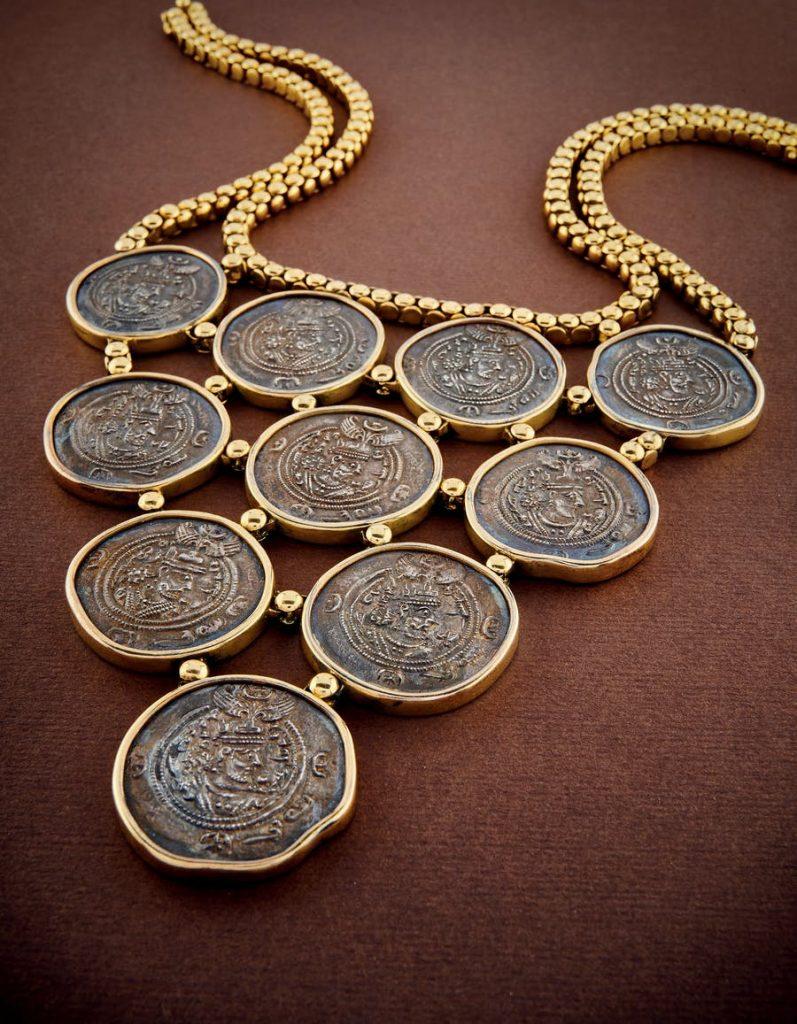 Collana Bulgari in oro e monete battuta all'asta da Wannenes lo scorso 28 luglio