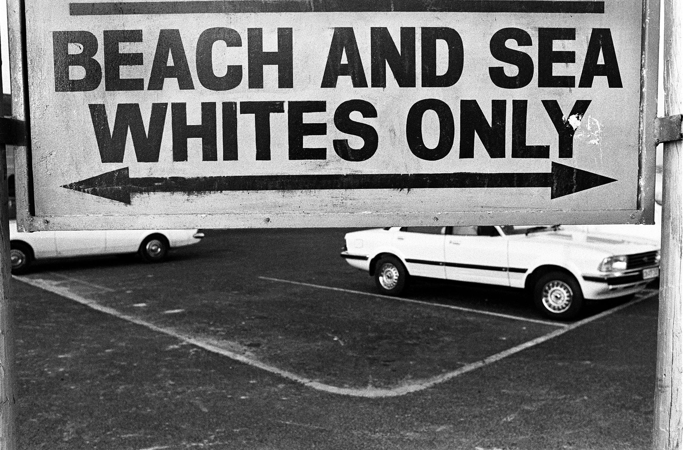 Alla Biennale Donna, il bellissimo reportage sudafricano di Paola Agosti. Qui Sud Africa, Cape Town, aprile 1983.