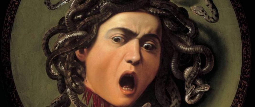 Dettaglio dello Scudo con Testa di Medusa custodito agli Uffizi
