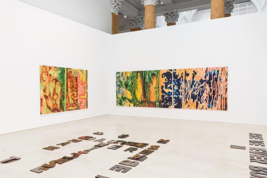 Quadriennale d'arte 2020 FUORI, veduta dell'allestimento. In primo piano, Raffaela Naldi Rossano. Alle pareti, Diego Gualandris, courtesy Fondazione La Quadriennale di Roma, foto DSL Studio