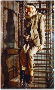 Paola Di Bello, Rischiano pene molto severe…(Garibaldi), 1998, color Print VINTAGE su forex, 210 × 125 cm Courtesy l'Artista e Galleria Bianconi Ph. Bruno Bani