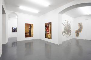 Installation view mostra personale Paola Di Bello - Citizens (1988 - 2006), 22 settembre - 06 novembre 2020, Galleria Bianconi, Milano Courtesy l'Artista e Galleria Bianconi Ph. Bruno Bani