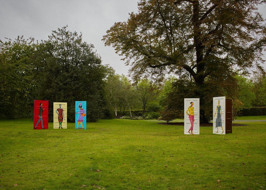 Lubaina Himid, Five Conversations (2019). Hollybush Gardens, Frieze Sculpture 2020. Commissionato da High Line Art, presentato da Friends of the High Line e dal New York City Department of Parks & Recreation. Foto di Stephen White. courtesy of Stephen White / Frieze