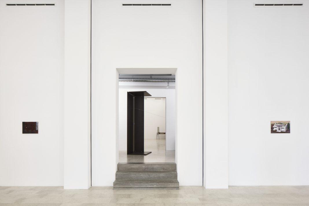 Merlin James, installation view, 2020, P420, Bologna, ph.C.Favero
