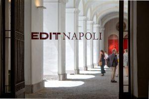 EDIT Napoli - Ingresso al cortile del Complesso S Domenico Maggiore © Roberto Pierucci