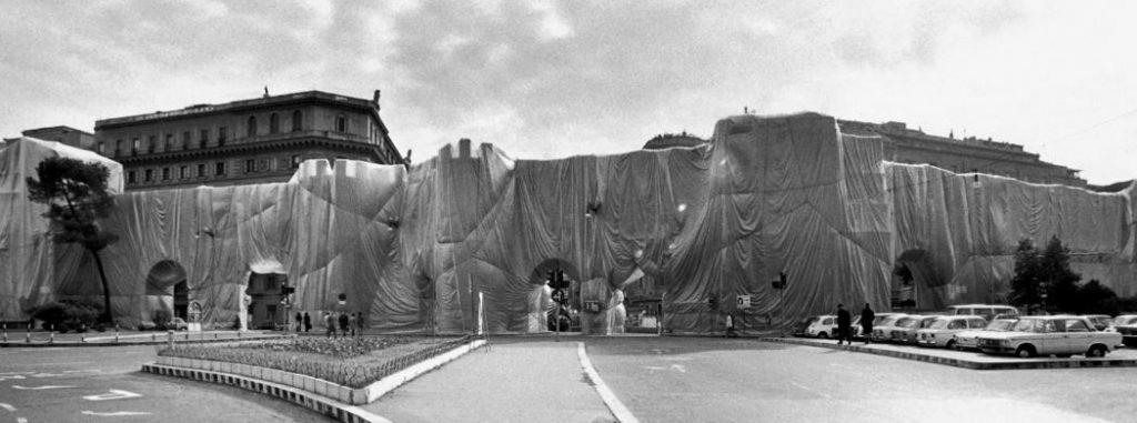 Porta Pinciana - Foto Massimo Piersanti da Christo and Jeanne-Claude