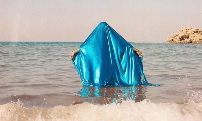 Yasmina Hilal, Houriyat Il Bahr 2018 15.24x15.24cm Fotografia analogica su pellicola da 120 mm