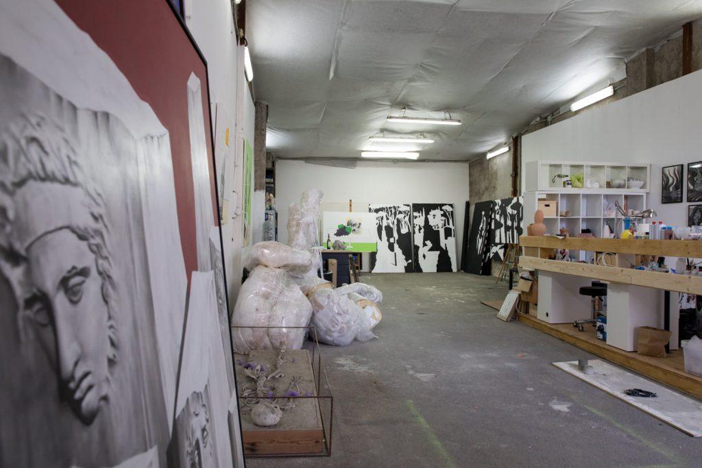 Lo studio di A. Calizza, C. Odescalchi, L. Mamone e Scarful. photo Sara Nicomedi