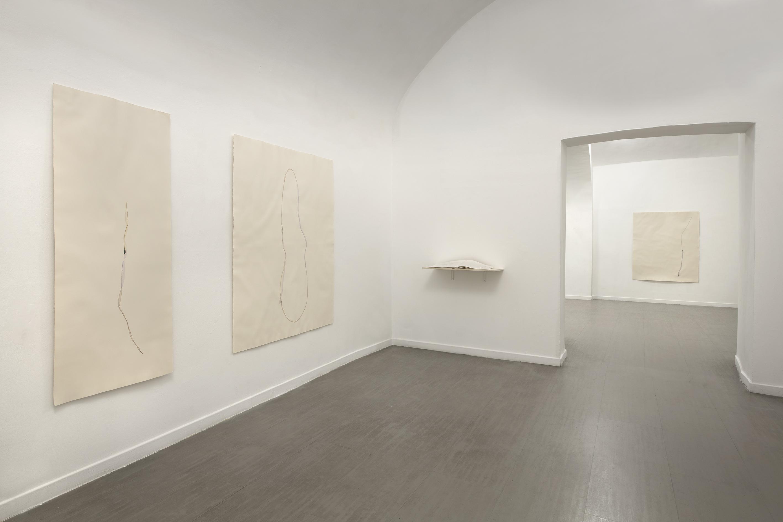 """Beatrice Pediconi, mostra """"Nude"""" alla galleria z2o Sara Zanin (ph. Giorgio Benni)"""