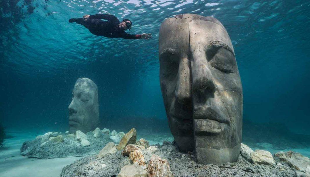 Le sculture monumentali sottomarine di Jason deCaires Taylor