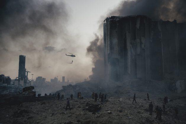 Spot News, Storie, 1° premio Port Explosion in Beirut © Lorenzo Tugnoli, Italia, Contrasto Una foto dell'esplosione nel porto di Beirut, in Libano, il 4 agosto 2020